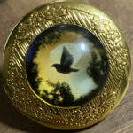 V2 Horizon Locket Pin (Gold)