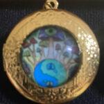 Horizon Locket Pin (Gold)